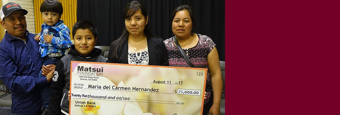 Maria Hernandez receiving the Matsui $25,000 CSin3 Scholarship.